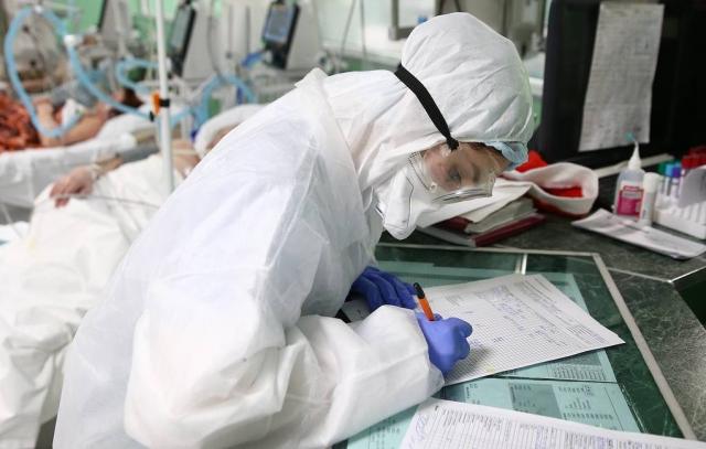 Иммунолог рассказал о последствиях коронавируса для слуха и зрения