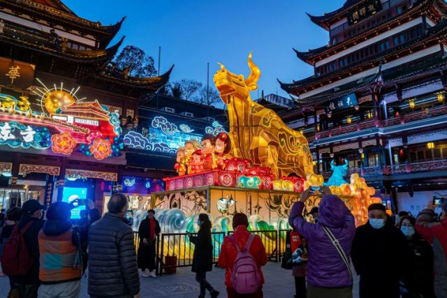 Быка за рога: как правильно встречать китайский Новый год