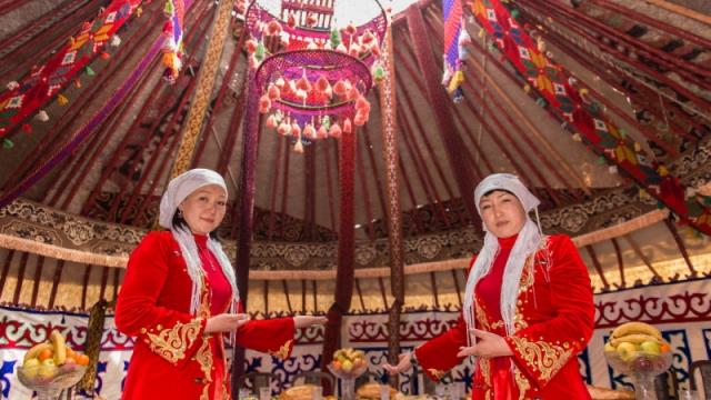 "Тысячу лошадей за невесту: как 100 лет назад на территории Казахстана запретили ""калым"""
