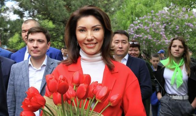 Алия Назарбаева поздравила мужчин с 23 февраля, напомнив им об обязанностях