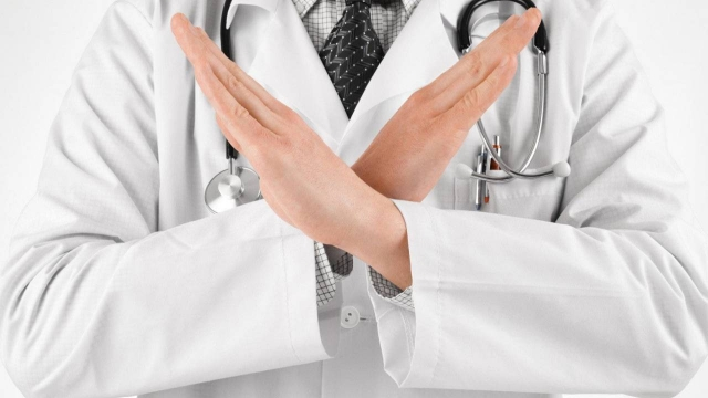 В Алматы уволили врача за разглашение диагноза пациента