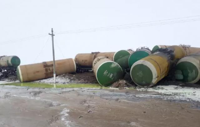 22 грузовые цистерны сошли с рельсов в Актюбинской области