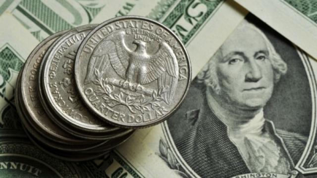 Курс доллара превысил 420 тенге
