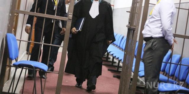 Двух судей Верховного суда освободили от должностей