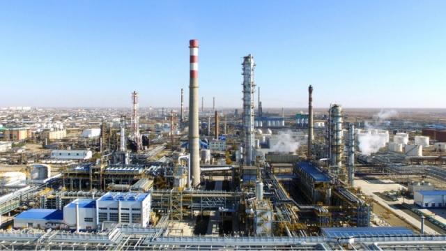 Пять нефтегазохимических заводов построят в Казахстане