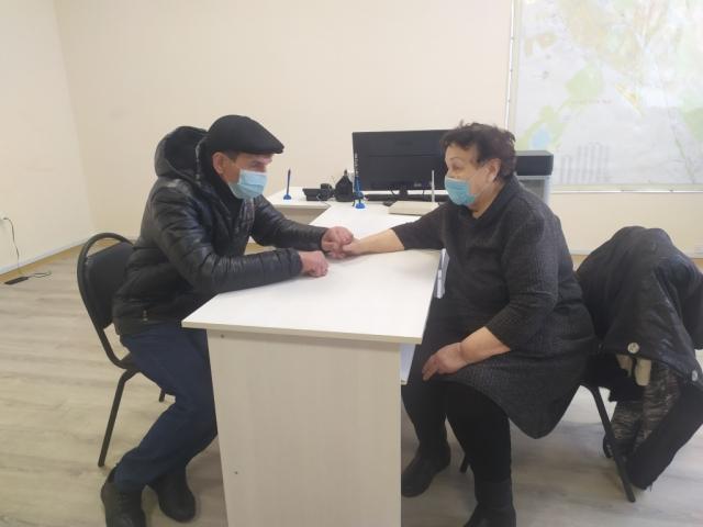 У пенсионерки, которую приютил у себя актюбинский полицейский, нашёлся сын