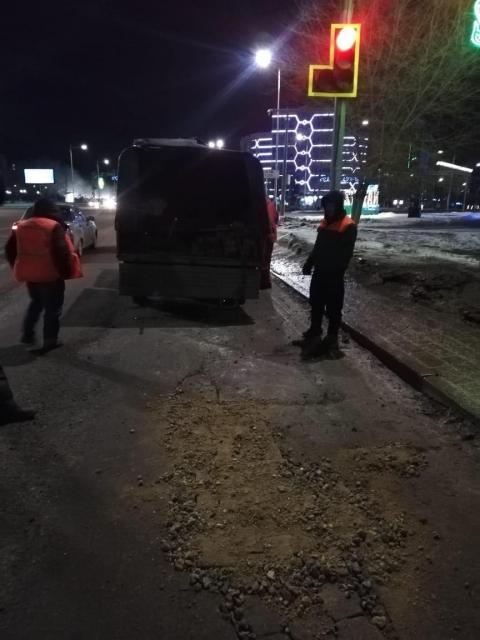 Полицейские подали в суд на отдел ЖКХ за ямы на дорогах Актобе