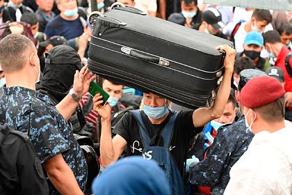 Замглавы МВД предупредил нелегальных мигрантов из СНГ о выдворении из России