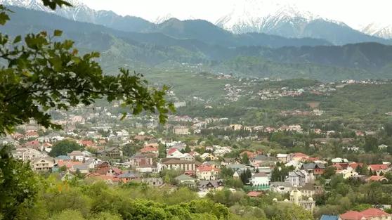 Сколько земли Казахстана находится в аренде у иностранцев, рассказали в МСХ