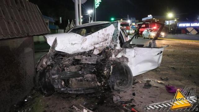 Смертельное ДТП с участием пяти автомобилей произошло в Алматинской области