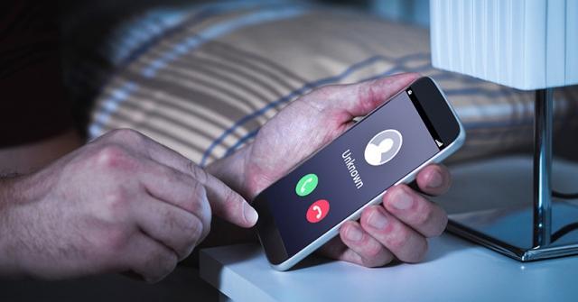 Зачем делают короткие звонки с неизвестных номеров?