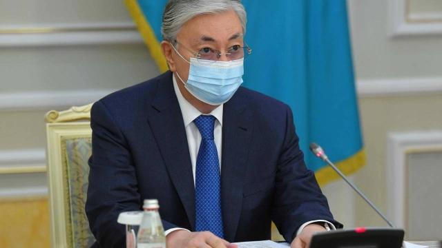 Токаев раскритиковал дороги Казахстана