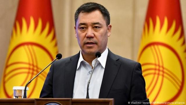 Президент станет ханом? Зачем в Бишкеке опять меняют конституцию
