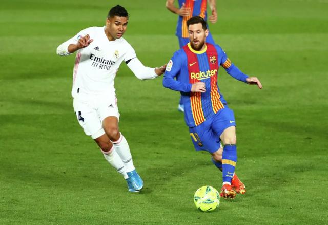 """""""Реал"""" победил """"Барселону"""" и стал лидером Примеры: видео голов"""