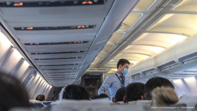 Пассажиров, желающих лететь в Казахстан, не пустят без справки в самолет - новое постановление санврача