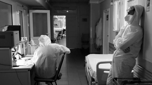 Еще 37 казахстанцев умерли от коронавируса и пневмонии за сутки