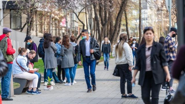 Число заражений коронавирусом в Казахстане продолжило рост