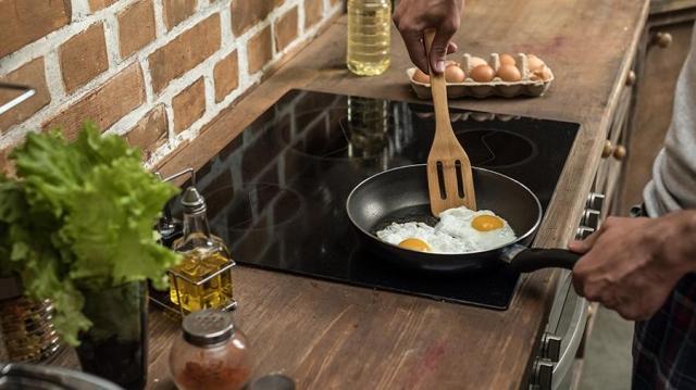 Эксперты назвали самый вредный способ приготовления яиц