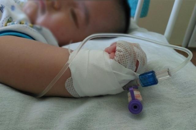 В Алматы избили полуторагодовалого ребенка