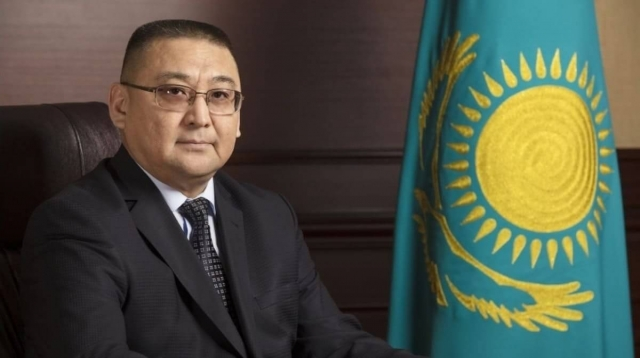 Председателя Комитета автодорог уволили после критики Президента