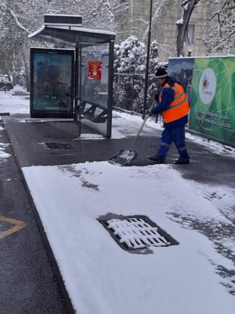 В Алматы выпал снег. Полиция обратилась к алматинцам