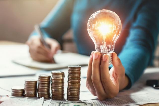Электричество подорожает: Минэнерго утвердило увеличение предельных тарифов