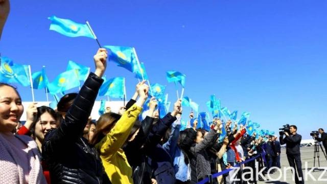 Сколько довольных жизнью людей живет в Казахстане