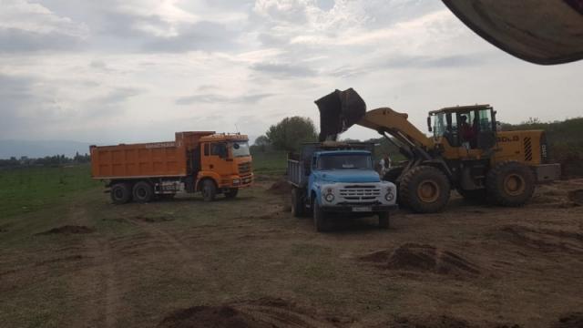 В горах Алматы снова крадут чернозем