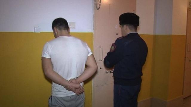 Полицейского ранили кухонным ножом в Талдыкоргане