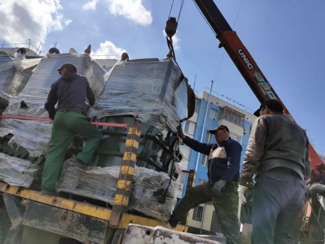 Ноу-хау в Актобе - металлические контейнеры меняют на пластиковые