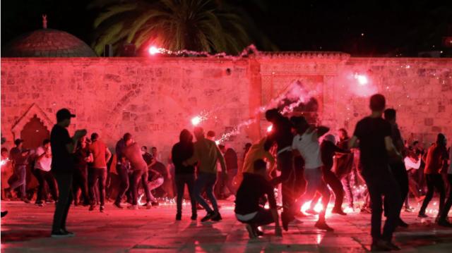 Число пострадавших в Иерусалиме палестинцев достигло почти 300 человек