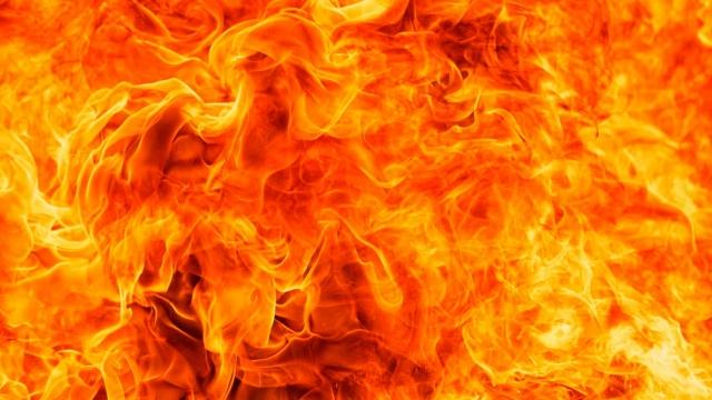 """""""Пламя было выше 5 этажного дома"""", - жители Риддера рассказали подробности трагедии"""