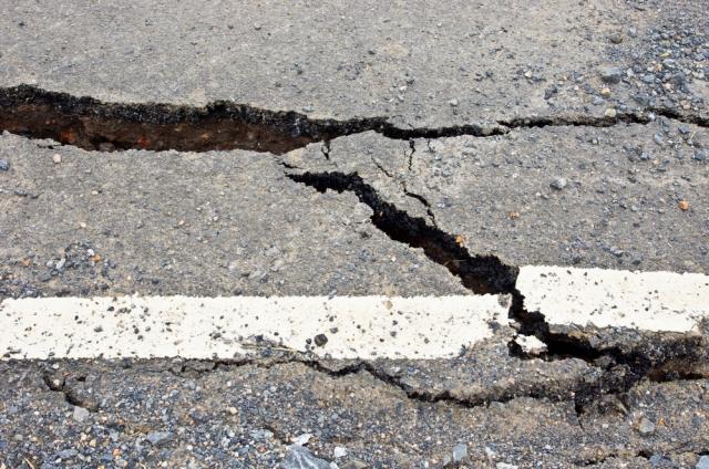 8 акимов в Актюбинской области получили взыскания за плохие дороги