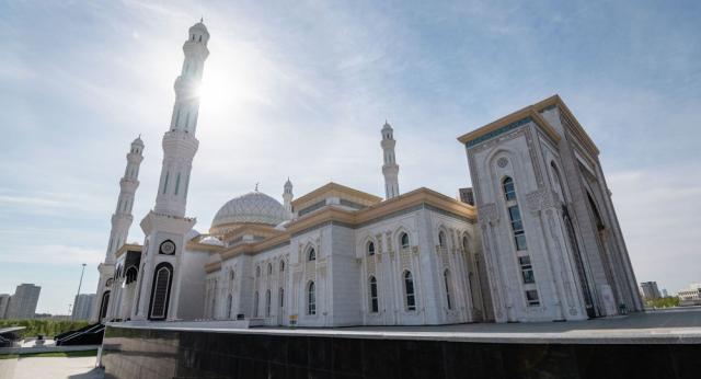 Мусульмане Казахстана отмечают Ораза айт