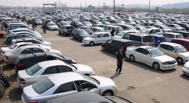С дефицитом и ростом цен на новые автомобили столкнулись казахстанцы