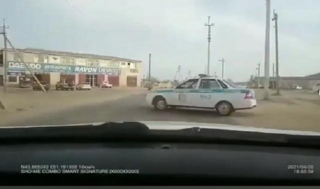 В Актау за создание аварийной ситуации сотрудника полиции оштрафовали