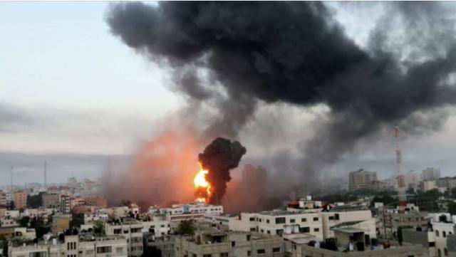 Военное крыло ХАМАС атаковало химзавод на границе с сектором Газа
