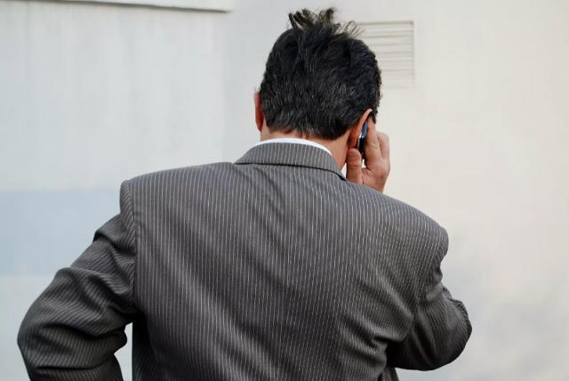 Экс-сотрудник МВД Игнатов назвал определяющие телефонных мошенников фразы