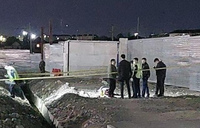 Тело 49-летнего мужчины обнаружили возле торгового центра в Алматы