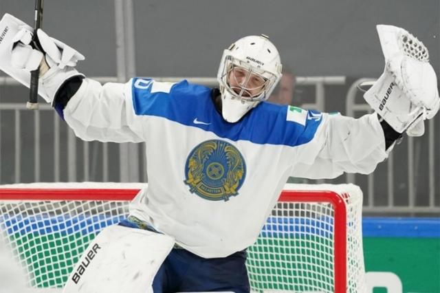 Казахстанец признан героем дня на чемпионате мира по хоккею
