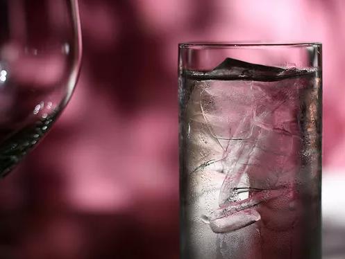 Горячая, холодная или...Когда какую воду пить