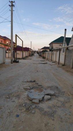 Танки не пройдут! Бетонные плиты превратили дорогу в полосу препятствий в Актау