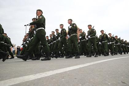 В России создадут смартфоны для военных