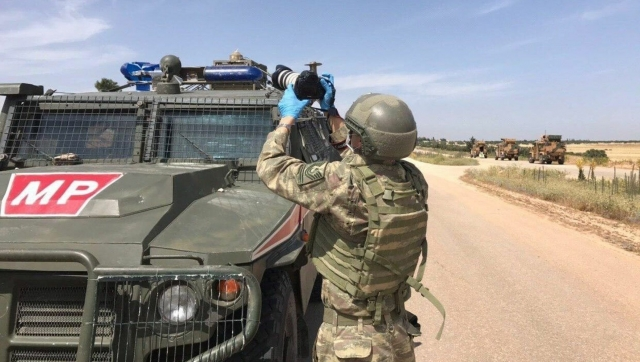 Российский военный погиб при подрыве бронеавтомобиля в Сирии