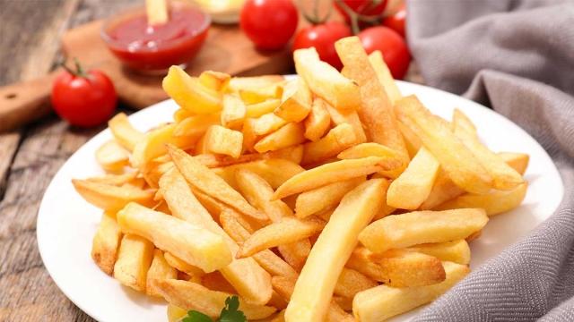 Плохая пара: назван несочетаемый с жареным картофелем продукт