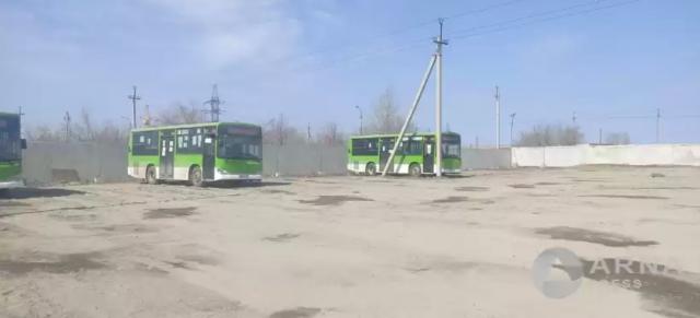 """В Семее автобусы не вышли на линию, чтобы """"обратить внимание на проблемы"""""""