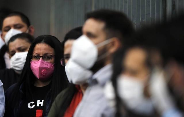ВОЗ: заболеваемость коронавирусом в мире снизилась за неделю на 12%
