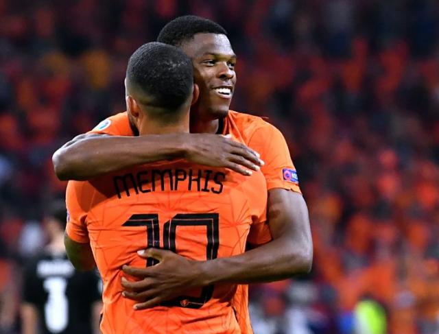 Сборная Нидерландов обыграла австрийцев и досрочно вышла в плей-офф ЕВРО