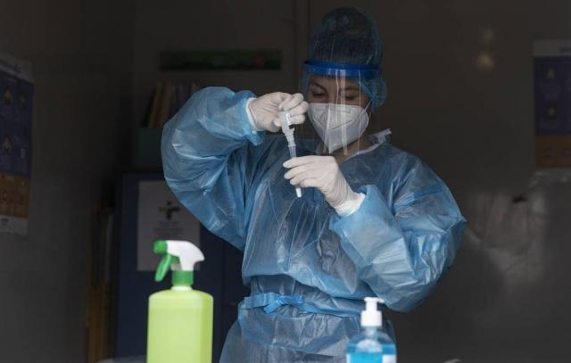 """В ВОЗ заявили, что штамм """"Дельта"""" в два раза заразнее изначального коронавируса"""