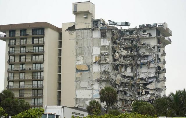 Губернатор Флориды ввел режим чрезвычайной ситуации из-за обрушения дома
